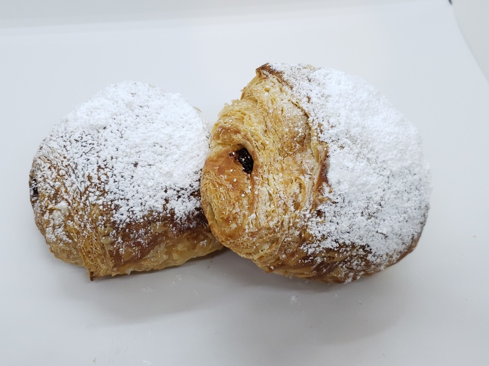pain-au-chocolate-chocolate-croissant-4-pack