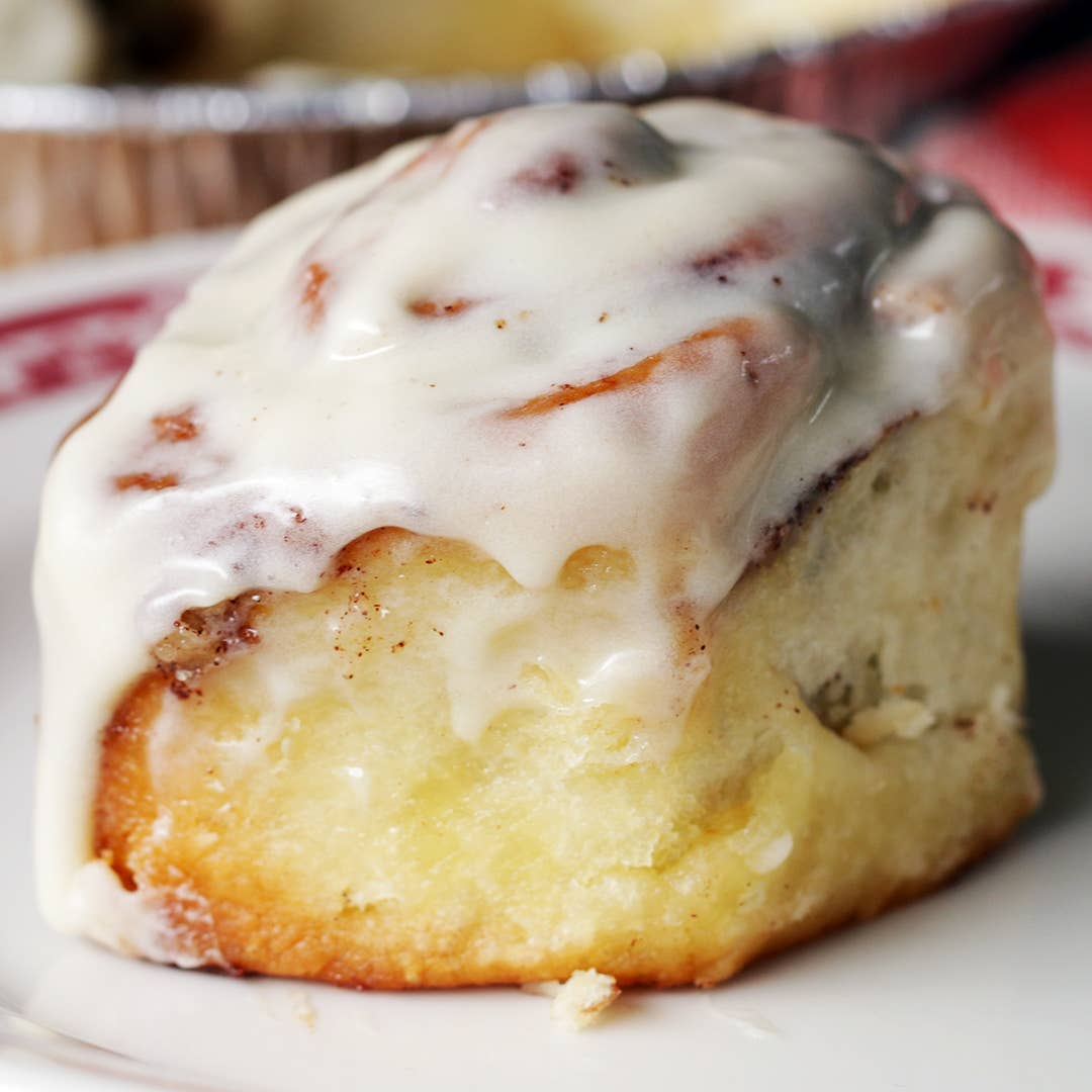 sticky-sweet-old-fashioned-cinnamon-rolls